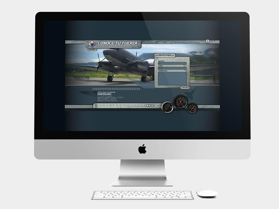 Fuerza Aérea Colombiana, página de contáctenos, en computadores